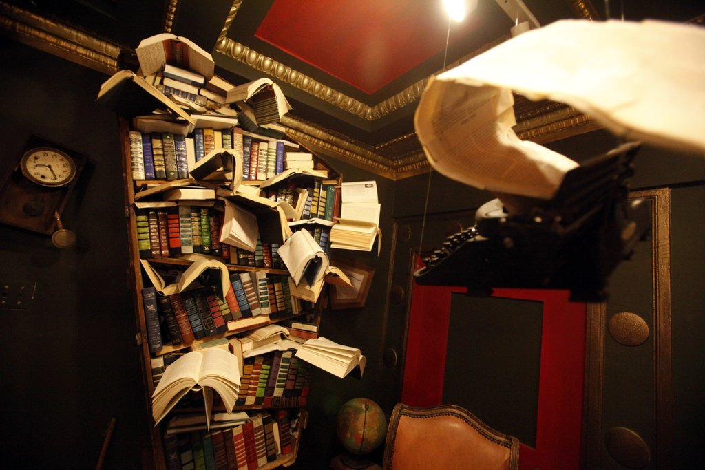 The LA Girl's Ultimate Guide to Downtown Los Angeles - The Last Bookstore