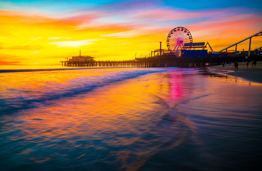 Things to do in LA With Your Family and Loved Ones - Santa Monica Pier